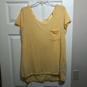 Women's yellow American Eagle t-shirt
